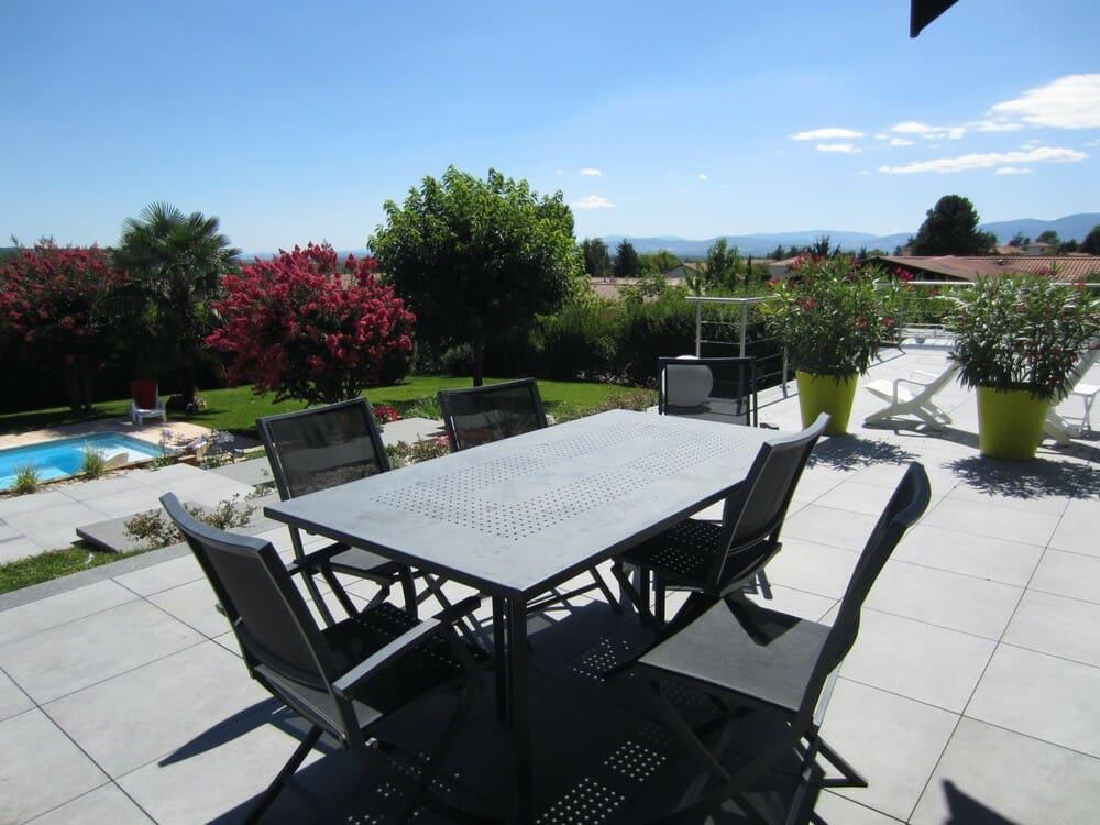 Aménagement terrasse et piscine Est Lyonnais